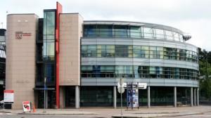 Forbundskontoret holder til på Idrettens Hus, Ullevål Stadion i Oslo.