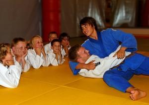 Moro med judo for de minste. FOTO: Christial Wolff