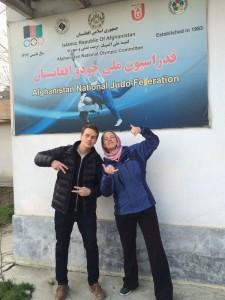 Ole Moland og Birgit Ryningen utenfor dojoen til det Afghanske Judoforbundet.